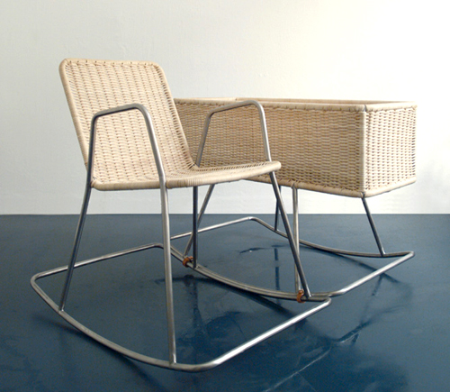 High Quality Re Babe Is A Cradle From Berlin Based Designers Collective E 27. It Can Be  Combined With Their Rocking Chair Re Tire To Form The Re Set.