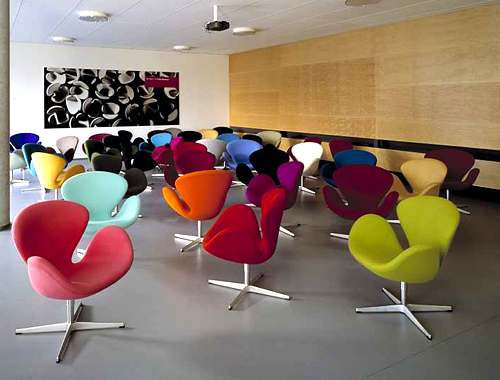 I LOVE The Gorgeous Swan Chair Designed By Arne Jacobsen. The Chair,  Manufactured By Fritz Hanson, Is Available In Different Colours And Fabrics.