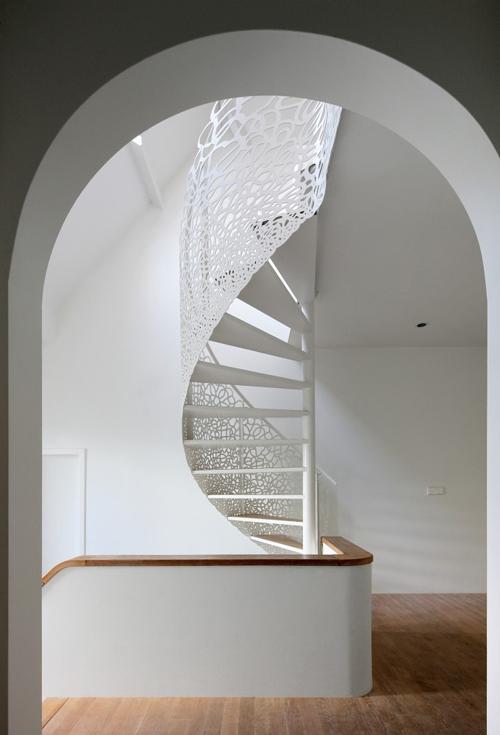 stair-case-white