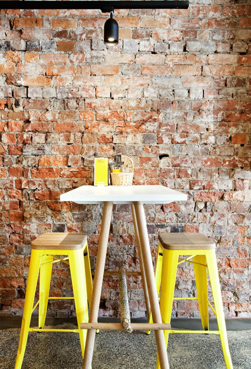 yellow-stools