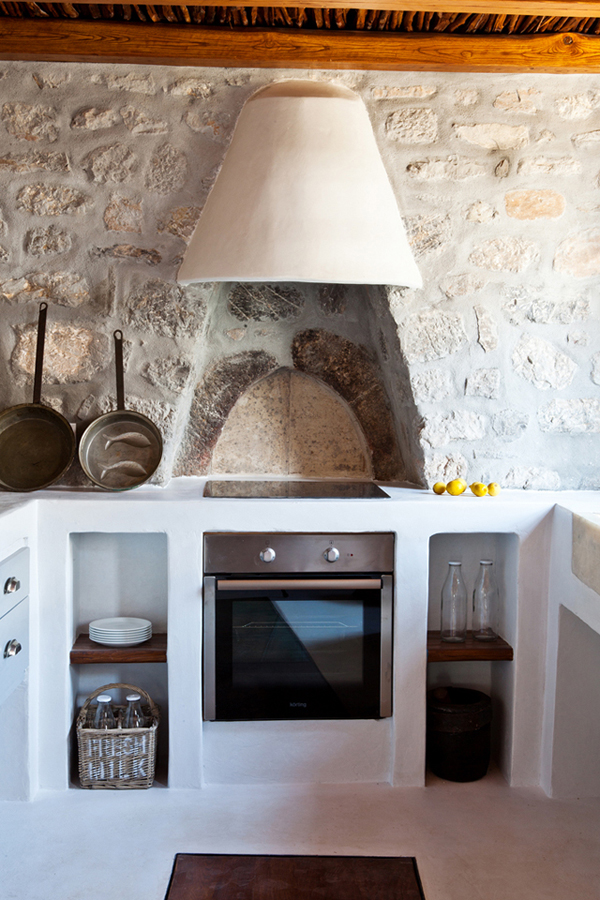 A HISTORIC HOME ON THE GREEK ISLAND OF HYDRA | THE STYLE FILES