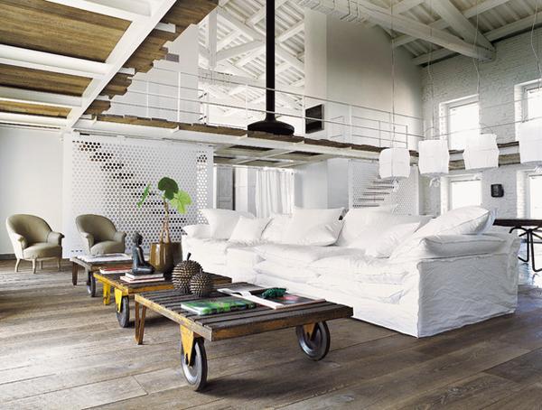 An italian home designed by paola navone the style files - Cocinas estilo rustico ...