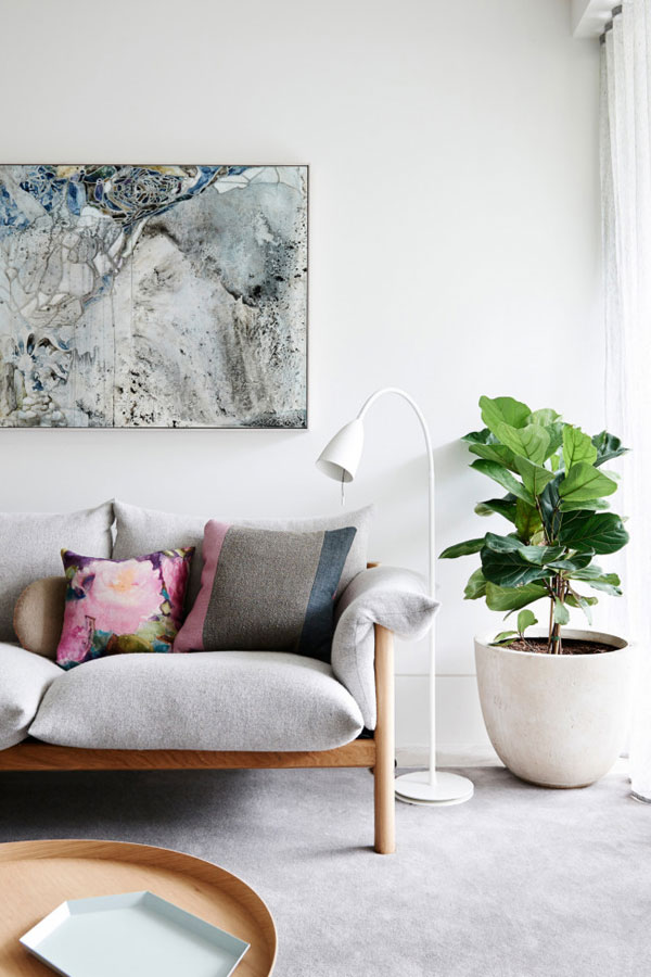 A LIGHT AND CONTEMPORARY APARTMENT IN MELBOURNE | THE STYLE FILES