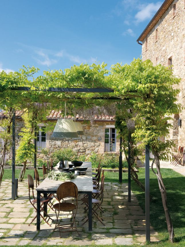 The travel files hotel monteverdi in tuscany italy the - Plantas para pergolas ...