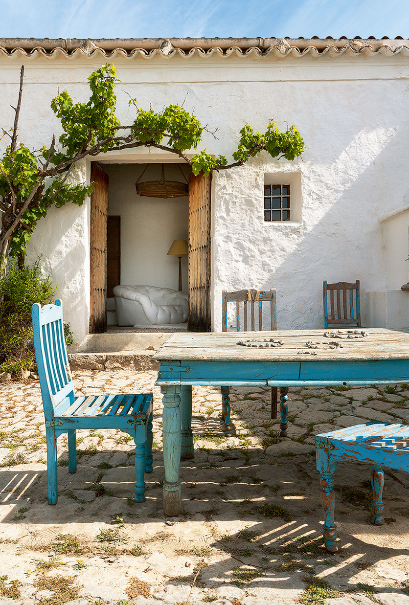 A 400 year old home on the island of ibiza the style files - Casas estilo mediterraneo ...