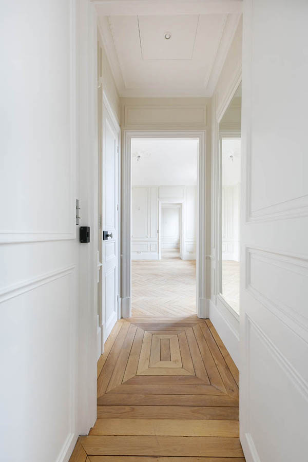 Beautiful details of a renovated paris apartment style for Wood floors in the new apartment