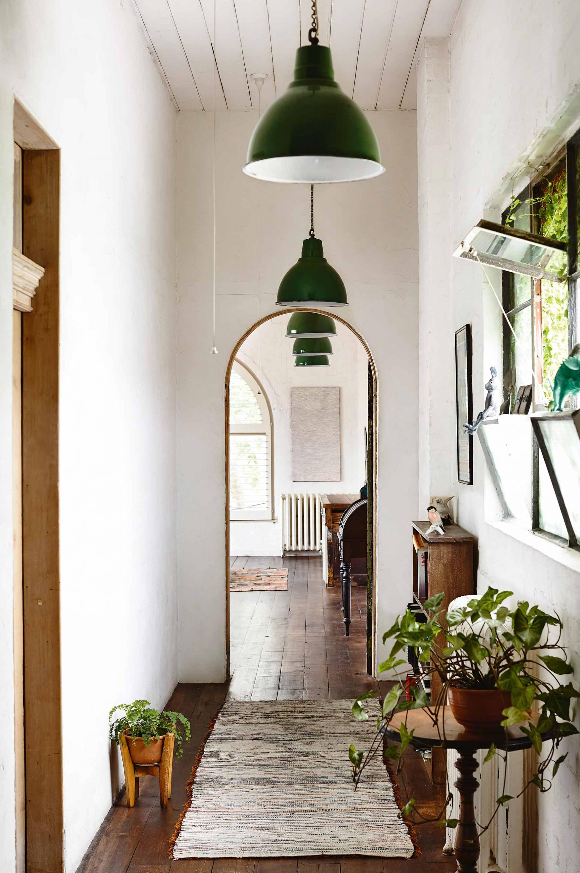 Idee Deco Couloir Moderne a unique melbourne home in a converted factory – the style files